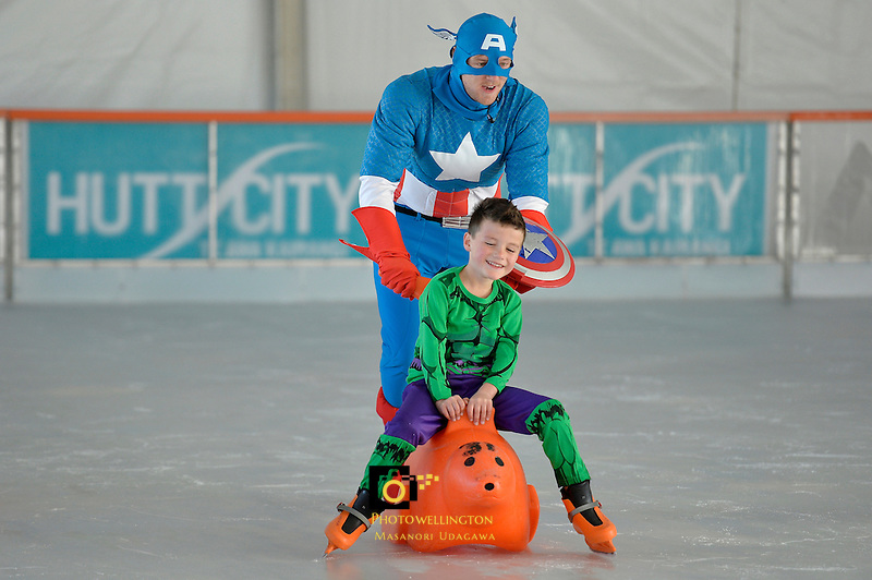 Hutt City - Dowse Square Ice Rink at Dowse Square, Lower Hutt, New Zealand on Saturday 3 October 2015.<br /> Photo by Masanori Udagawa. www.photowellington.photoshelter.com.