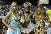 SÃO PAULO, SP, 29 DE JANEIRO DE 2012 - ENSAIO TÉCNICO ACADEMICOS DO TUCURUVI - Carolina Bittencurt durante ensaio técnico da Escola de Samba Acadêmicos do Tucuruvi na preparação para o Carnaval 2012. O ensaio foi realizado  neste domingo (29) no Sambódromo do Anhembi, zona norte da cidade. FOTO: LEVI BIANCO - NEWS FREE