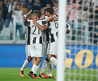 Calcio, Serie A: Juventus vs Fiorentina. Torino, Juventus Stadium, 20 agosto 2016.<br /> Juventus&rsquo; Sami Khedira, right, celebrates with teammates after scoring during the Italian Serie A football match between Juventus and Fiorentina at Turin's Juventus Stadium, 20 August 2016. Juventus won 2-1.<br /> UPDATE IMAGES PRESS/Isabella Bonotto