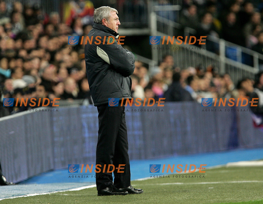 Betis' coach Luis Fernandez during Spain's La Liga match at Santiago Bernabeu stadium in Madrid, Saturday February 17, 2007. (INSIDE/ALTERPHOTOS/Alvaro Hernandez).