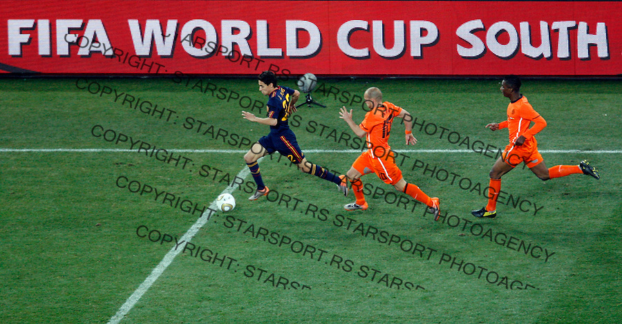Jesus Navas (22) Soccer, Football - 2010 FIFA World Cup - Johannesburg, South Africa, Sunday, July, 11, 2010. Final match, Netherlands vs Spain, Soccer City Stadium (credit & photo: Pedja Milosavljevic / +381 64 1260 959 / thepedja@gmail.com / STARSPORT )