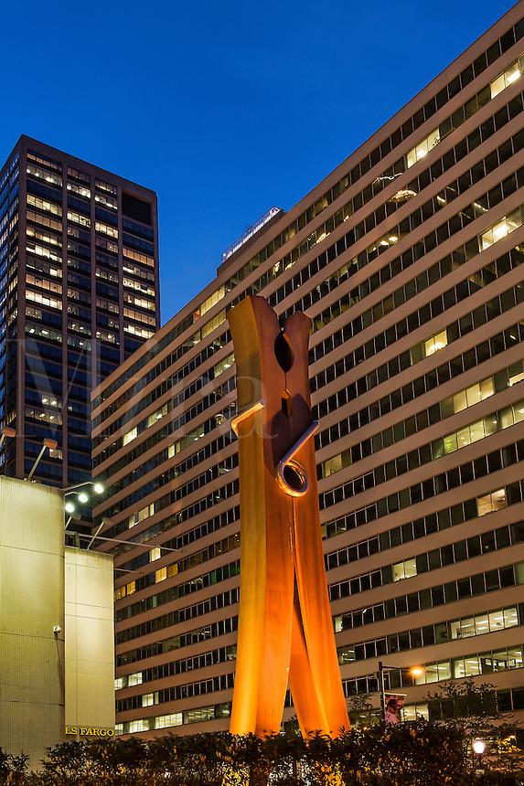 Clothespin sculpture, Philadelphia, Pennsylvania, USA, Sculpter Claes Oldenburg