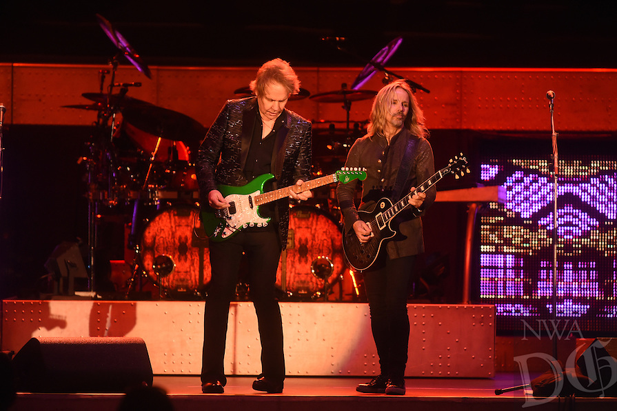 NWA Democrat-Gazette/MICHAEL WOODS &bull; @NWAMICHAELW<br /> Styx performs at the Arkansas Music Pavilion       Thursday, September 1, 2016.