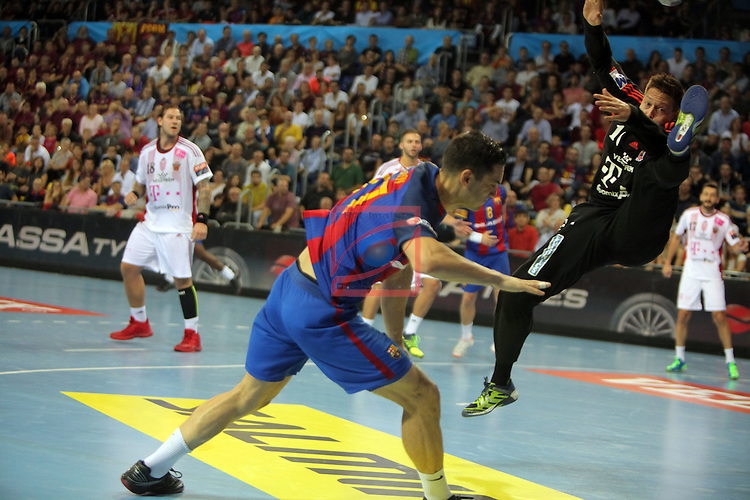 VELUX EHF <br /> 2016/17 EHF Men's Champions League Group Phase - Round 5.<br /> FC Barcelona Lassa vs Telekom Veszprem: 26-23.<br /> Kiril Lazarov vs Roland Mikler.