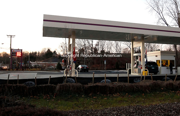 Cheshire, CT-13 December 2012-121312CM03-  Stop and Shop gasoline opened up a new pump on West Main Street in Cheshire.   Christopher Massa Republican-American