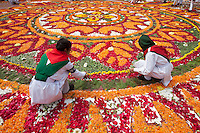 Bangladeshi girls decorates the Dhaka Central Shaheed Minar, or Martyr's Monuments on International Mother Language Day in Dhaka, Bangladesh, Saterday, Feb. 21, 2015.