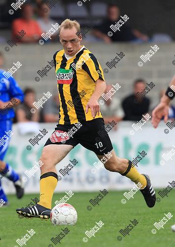 2010-06-21 / Voetbal / seizoen 2010-2011 / KFC Zwarte Leeuw / Toon Vervoort..Foto: mpics