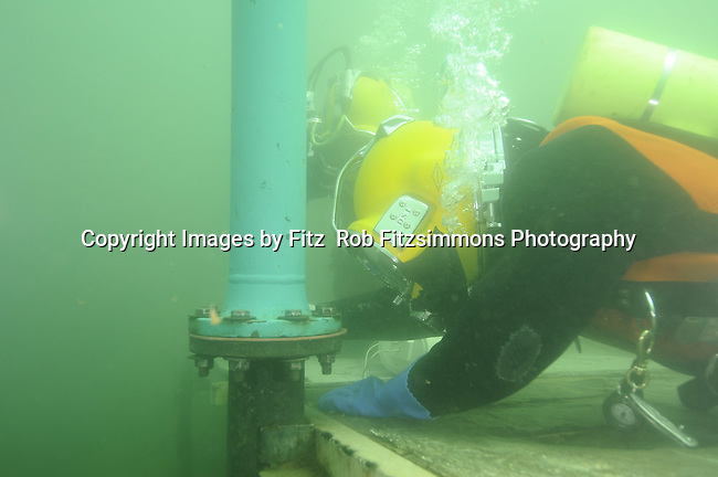 Minnesota Commercial Diver Training Center, Commercial Diver, ADCI, Entry level Diver/Tender Certification, Association of Diving Contractors International, DCBC, Diver Certification,