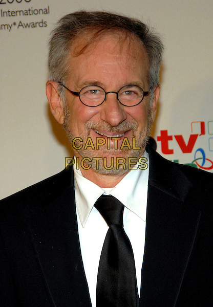 STEVEN SPIELBERG.34th International Emmy Awards Gala at the New York Hilton, New York, NY, USA..November 20th, 2006.headhot portrait glasses beard facial hair.CAP/ADM/PH.©Paul Hawthorne/AdMedia/Capital Pictures *** Local Caption ***