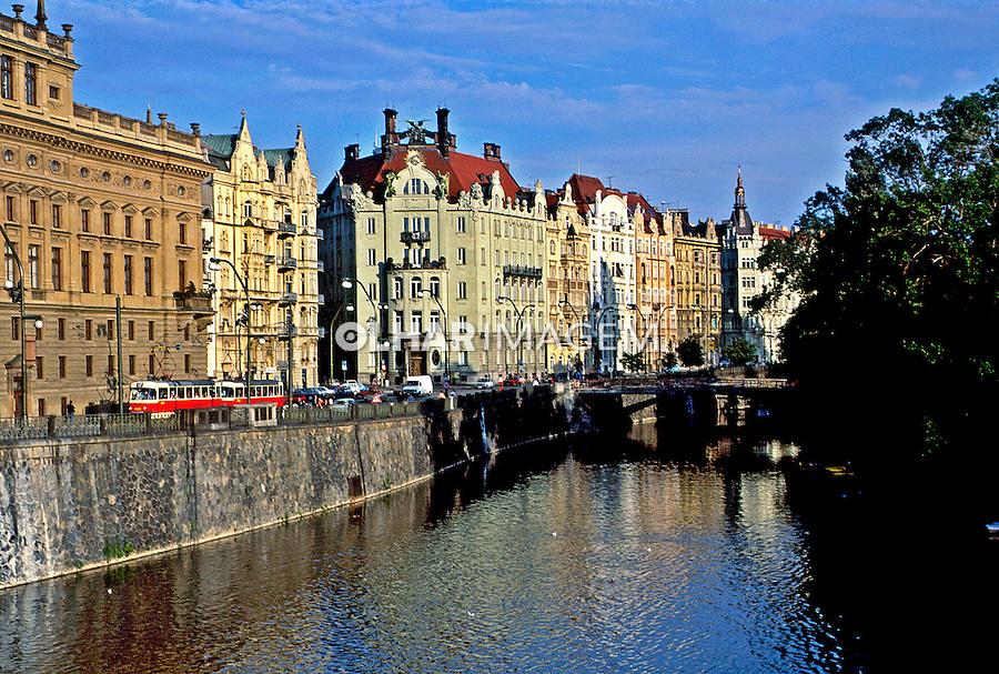 Rio Elba em Praga, República Tcheca. 1993. Foto de Dudu Cavalcanti.