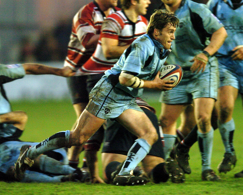 Photo. Henry Browne..Gloucester v Worcester. Zurich  Premiership. 29/01/2005..Matt Powell runs with the ball..