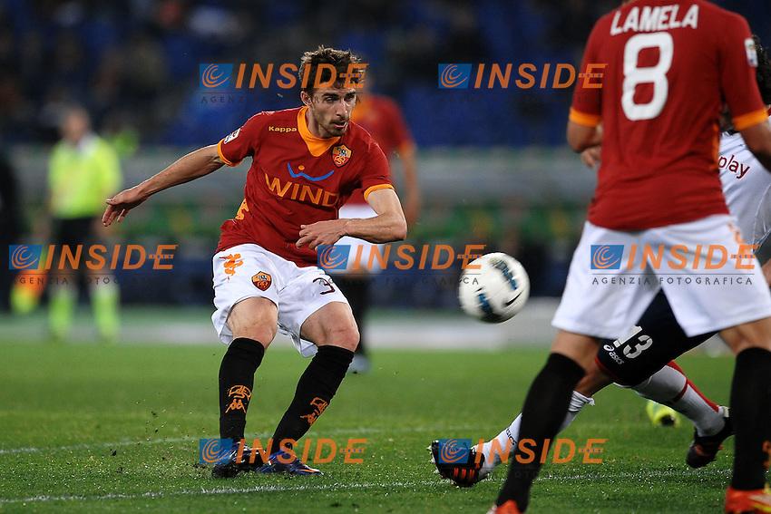 """Pallonetto di Fabio Borini Roma.Roma 19/3/2012 Stadio """"Olimpico"""".Football Calcio 2011/2012 Serie A.Roma Vs Genoa.Foto Insidefoto Andrea Staccioli"""