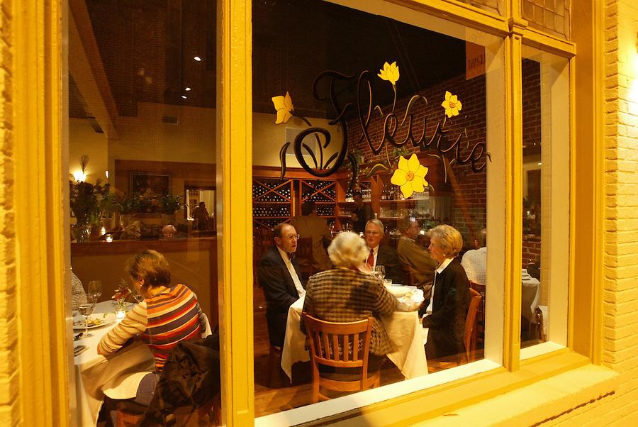 dining dinner restaurant fleurie
