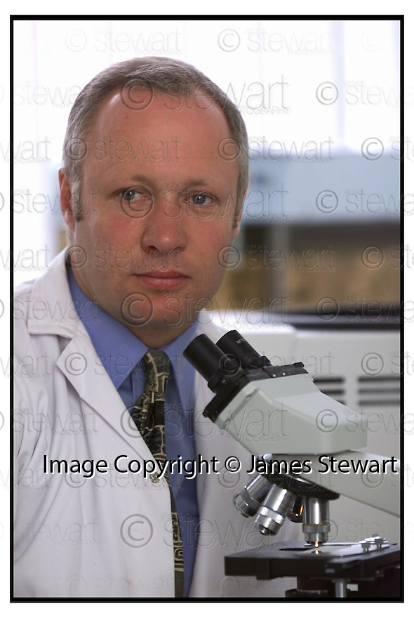 10th August 2000        Copyright Pic : James Stewart.File Name : stewart06-dr ken thomson.DR KEN THOMSON, LECTURER IN BIO-TECHNOLOGY AT FALKIRK COLLEGE OF TECHNOLOGY IN THEIR NEW APPLIED BIO-SCIRENCES LAB......(for Economy and Business feature).....James Stewart Photo Agency, Stewart House, Stewart Road, Falkirk. FK2 7AS      Vat Reg No. 607 6932 25.Office : 01324 630007        Mobile : 0421 416997.E-mail : jim@jspa.co.uk.If you require further information then contact Jim Stewart on any of the numbers above.........