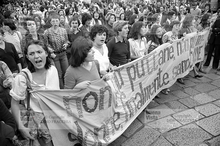 - women's demonstration (Milan, 1976)<br />