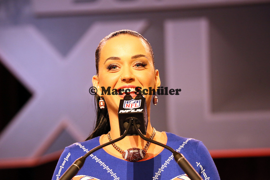 Katy Perry tritt in der Halbzeitshow des Super Bowl XLIX auf - Entertainment Pressekonferenz, Convention Center Phoenix