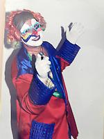 SÃO PAULO, SP, 14 DE MARÇO 2013. PEDOFILIA -  Foto reprodução da foto do Supeito/Indiciado de ser pedófilo é preso na região da Av Pompeia. Donizette Gonçalves (49), também conhecido como Palhaço Pirulito, foi preso depois de marcar encontro com o menor V.S.N (11). O suspeito na sengunda-feira, (12) teria pedido informações ao menor, de uma loja de material de construção na regiao da Pompeia e como não entendeu direito pediu que o menor entrasse no carro dele. Durante o trajeto o mesmo falou em sexo e pediu o telefone do menor dizendo que era agenciador de time de futebol, o menor passou o telefone do pai. Nesta terça-feira, (13) Donizette, que deu o nome de Marcos, passou mensagem querendo encontra-lo, perto da loja de material de construção, o pai recorreu ao 14DP e policiais montaram campana e prenderem o suspeito. No carro foram encontrados CDs e DVDs com fotos eróticas bem como celulares com mensagens suspeitas. FOTO: MAURICIO CAMARGO / BRAZIL PHOTO PRESS.