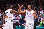 S&ouml;dert&auml;lje 2014-04-22 Basket SM-Semifinal 7 S&ouml;dert&auml;lje Kings - Uppsala Basket :  <br /> Uppsalas Oluoma Nnamaka har gjort po&auml;ng och gratuleras av Uppsalas Oladapo Dee Ayuba <br /> (Foto: Kenta J&ouml;nsson) Nyckelord:  S&ouml;dert&auml;lje Kings SBBK Uppsala Basket SM Semifinal Semi T&auml;ljehallen jubel gl&auml;dje lycka glad happy