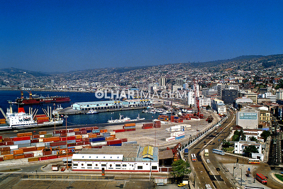 Vista geral da cidade portuária de Valparaíso no Chile. 1993. Foto de Salomon Cytrynowicz.