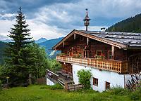 Austria, Salzburger Land, Dienten: mountain Inn 'Gruenegg' and Hochkoenig mountains | Oesterreich, Salzburger Land, Pinzgau, Dienten: altes Bauernhaus auf der Gruenegg Alm