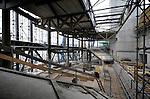 UTRECHT - In Utrecht wordt door Heijmans gebouwd aan een vernieuwd en vergroot Muziekcentrum Vredenburg. Het complex wordt grotendeels gebouwd over de originele door Herman Hertzberger ontworpen concertzaal.Het nieuwe muziekpaleis gaat met een oppervlakte van ruim 20.000 m2 ruimte bieden aan de huidige grote zaal (1700), een kamermuziekzaal (550), een popzaal (2000), een cross-overzaal (500) en een jazz-zaal (250). COPYRIGHT TON BORSBOOM