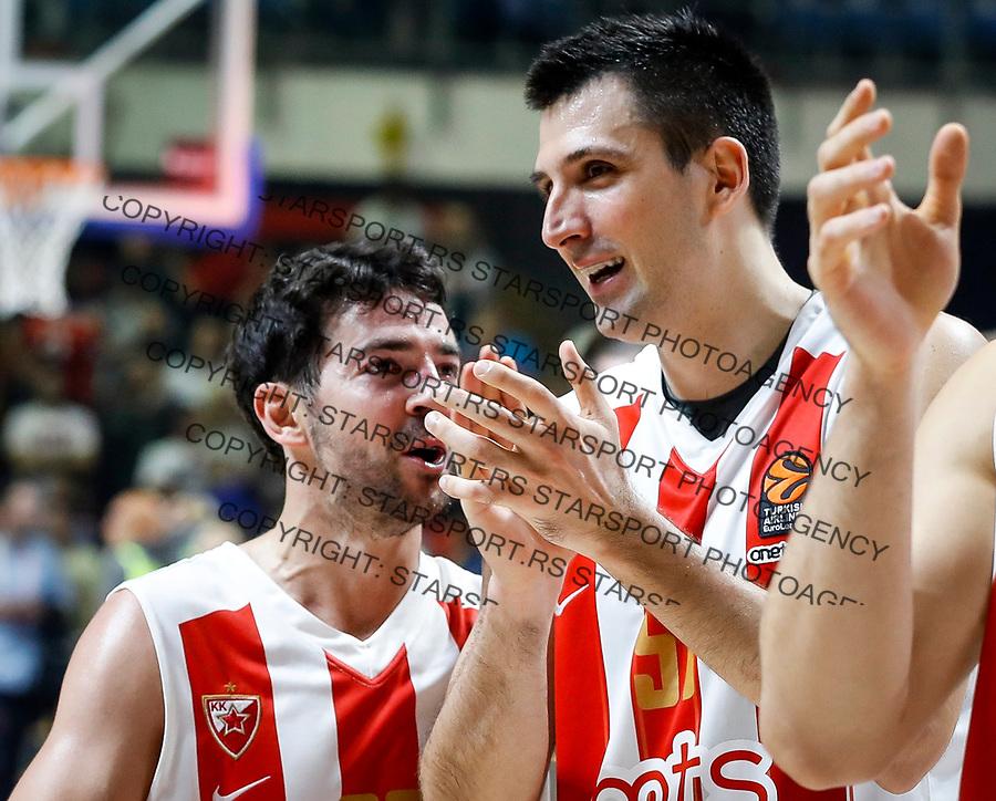 Kosarka Euroleague season 2017-2018<br /> Crvena Zvezda v Barcelona<br /> Taylor Rochestie (L) and Milko Bjelica celebrate<br /> Beograd, 20.10.2017.<br /> foto: Srdjan Stevanovic/Starsportphoto &copy;