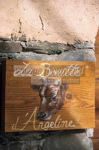 """Europe/France/Rhone-Alpes/73/Savoie/Saint-Marcel: Hotel-restaurant """"La Bouitte"""" détail décoration de la porte des chambres"""