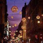 Luci d'artista a Torino. L'opera di Enrica Borghi in via Lagrange. Dicembre 2005...Artist's lights in Turin. The work by Enrica Borghi. December 2005...Ph. Marco Saroldi. Pho-to.it