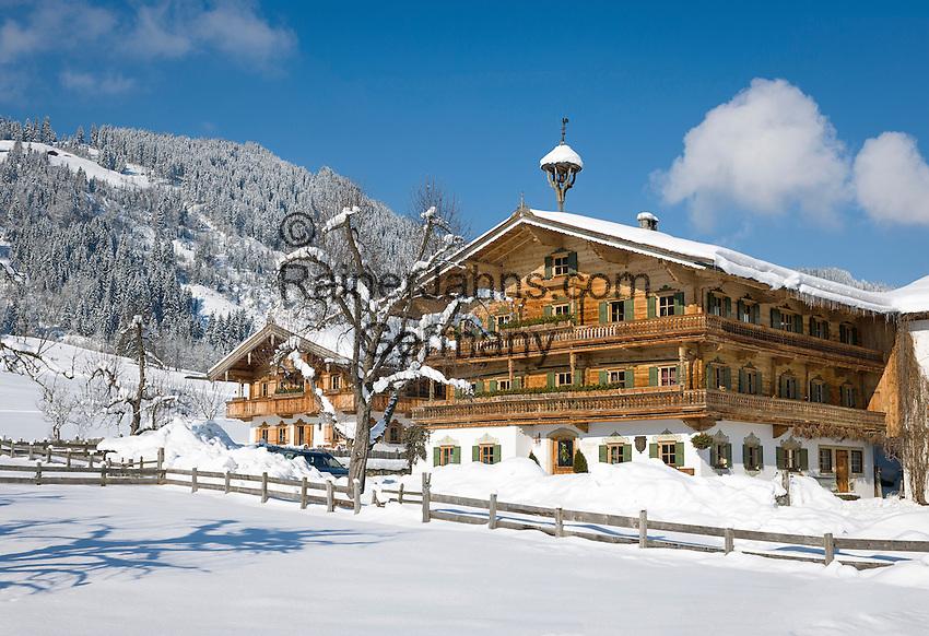 Austria, Tyrol, Reith near Kitzbuhel at Brixen Valley: Tyrolean farmhouse | Oesterreich, Tirol, Reith bei Kitzbuehel im Brixental: Tiroler Bauernhaus