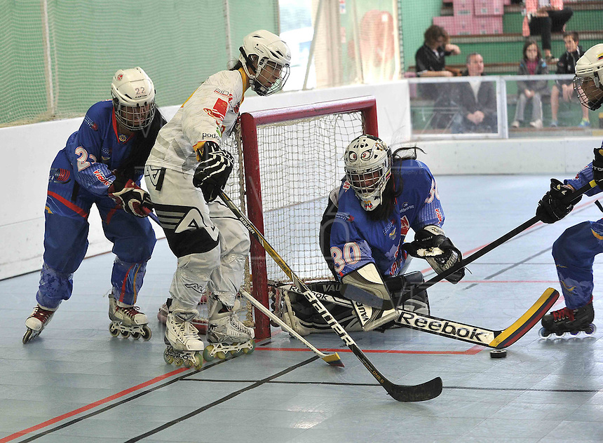 TOULOUSE - FRANCIA: Se realizan en Toulouse Francia los Campeonatos Mundiales de Hockey en Linea en las modalidades de Junior Varones, Damas Mayores, Juvenil Damas y Mayores Varones, con la participaci—n de 24 paises, del 30 de junio al 13 de julio. <br /> Performed in Toulouse France Hockey World Championships Online in the categories of Junior Men, Senior Women, Junior Men and Senior Ladies, with the participation of 24 countries, from 30 June to 13 July. Photos: VizzorImage / Luis Ramirez / Staff.