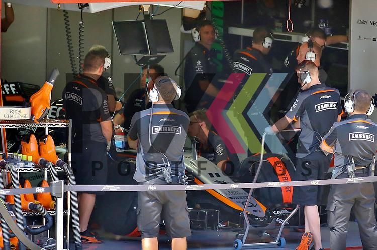 Barcelona, 10.05.15, Motorsport, Formel 1 GP Spanien 2015, Freies Training : Box von Sergio Perez (Force India VJM08, #11)<br /> <br /> Foto &copy; P-I-X.org *** Foto ist honorarpflichtig! *** Auf Anfrage in hoeherer Qualitaet/Aufloesung. Belegexemplar erbeten. Veroeffentlichung ausschliesslich fuer journalistisch-publizistische Zwecke. For editorial use only.