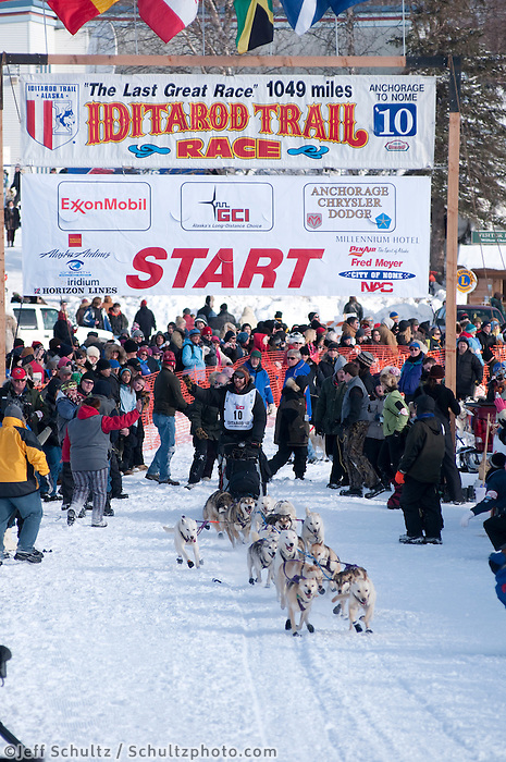 2010 Iditarod Re-start in Willow Alaska musher # 10 JUSTIN SAVIDIS.