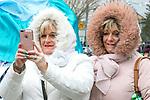 180318<br /> Vivienne and Brenda DeLoughery, Kilkee, at the parade in Doonbeg.Pic Arthur Ellis.