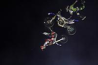 SÃO PAULO, SP, 07.10.2015- DUAS-RODAS-  Show de acrobacias durante o Salão Duas Rodas no Anhembi região norte da cidade de São Paulo na tarde desta quarta-feira, 7. (Foto: Renato Mendes / Brazil Photo Press)