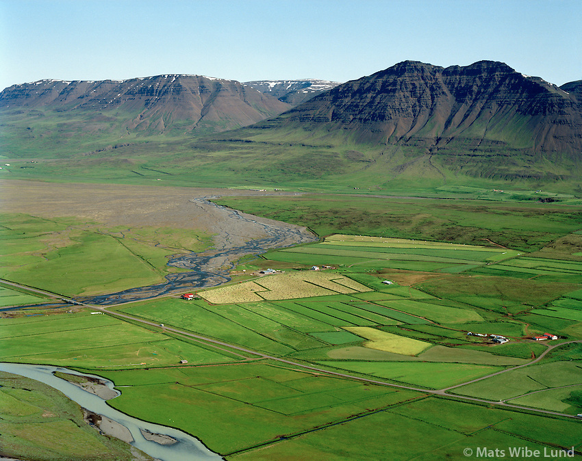 Stóru-Akrar og Minni-Akrar séð til norðausturs, Akrahreppur / Storu-Akrar and Minni-Akrara vieiwing northeast, Akrahreppur.