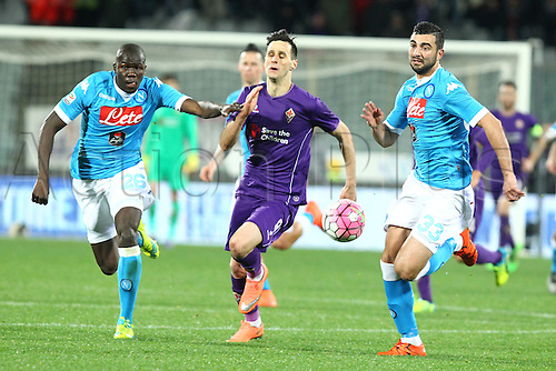 29.02.2016. Stadium Artemio Franchi, Florence, Italy.  Serie A football league. Fiorentina versus Napoli. Kalinic (F) breaks away from Koulibaly and Albiol