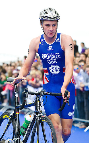 04 JUL 2010 - ATHLONE, IRL - Alistair Brownlee (GBR) races out of transition during the European Elite Mens Triathlon Championships .(PHOTO (C) NIGEL FARROW)