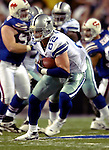 8 October 2007: Dallas Cowboys tight end Jason Witten in action against the Buffalo Bills at Ralph Wilson Stadium in Buffalo, New York. The Cowboys rallied to defeat the Bills 25-24, thus winning their fifth consecutive game of the season...Mandatory Photo Credit: Ed Wolfstein Photo