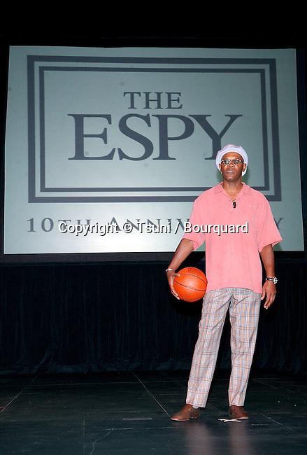 Samuel L. Jackson returns to Anchor the ESPY Awards at the Kodak Theatre in Los Angeles. April 9, 2002.           -            JacksonSamuel.L@ESPY01.jpg