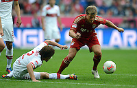 FUSSBALL   1. BUNDESLIGA  SAISON 2012/2013   2. Spieltag FC Bayern Muenchen - VfB Stuttgart      02.09.2012 Gotoku Sakai (li, VfB Stuttgart) gegen Toni Kroos (FC Bayern Muenchen)