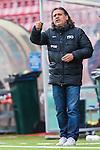 S&ouml;dert&auml;lje 2013-09-28 Fotboll Allsvenskan Syrianska FC - IF Brommapojkarna :  <br /> Syrianska manager tr&auml;nare &Ouml;zcan Melkemichel gestikulerar<br /> (Foto: Kenta J&ouml;nsson) Nyckelord:  portr&auml;tt portrait