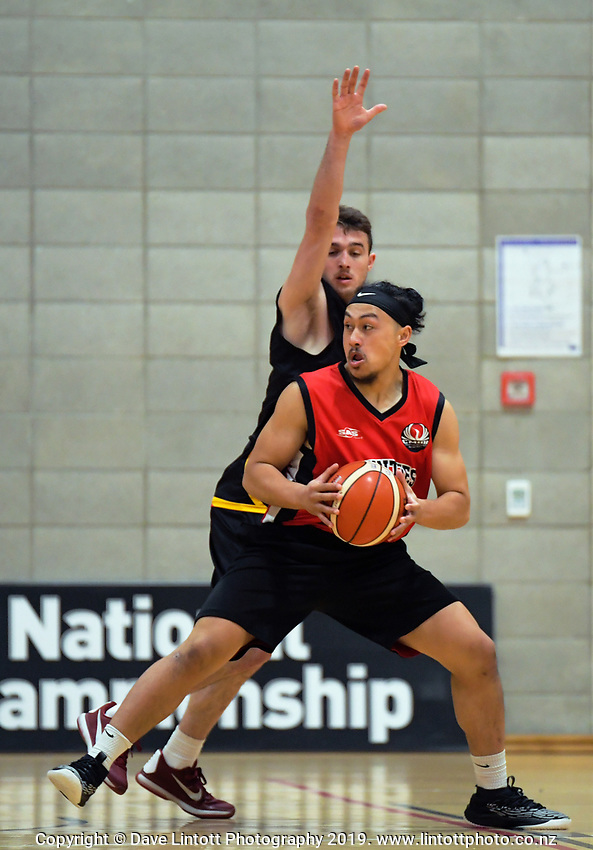 Action from the National Under-23 Basketball Championships Tournament men's match between Counties Manukau and Waikato at Te Rauparaha Arena in Porirua, New Zealand on Friday, 9 August 2019. Photo: Dave Lintott / lintottphoto.co.nz