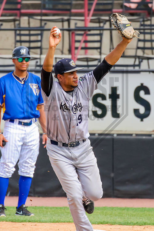 Kane County Cougars first baseman Ramon Hernandez (19) during a Midwest League game against the Wisconsin Timber Rattlers on June 11, 2017 at Fox Cities Stadium in Appleton, Wisconsin.  Kane County defeated Wisconsin 6-4. (Brad Krause/Krause Sports Photography)