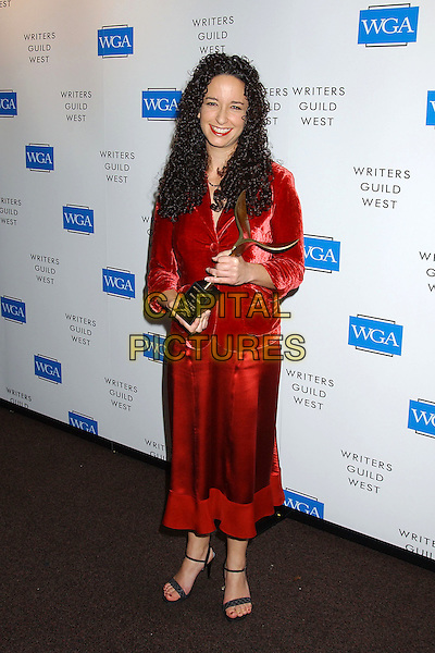 DEBRA CAHN.57th Annual Writers Guild Awards held at the Hollywood Palladium. .February 19th, 2005.Photo Credit: Laura Farr/AdMedia.full length winner award trophy red silk satin skirt velvet jacket.www.capitalpictures.com.sales@capitalpictures.com.© Capital Pictures.