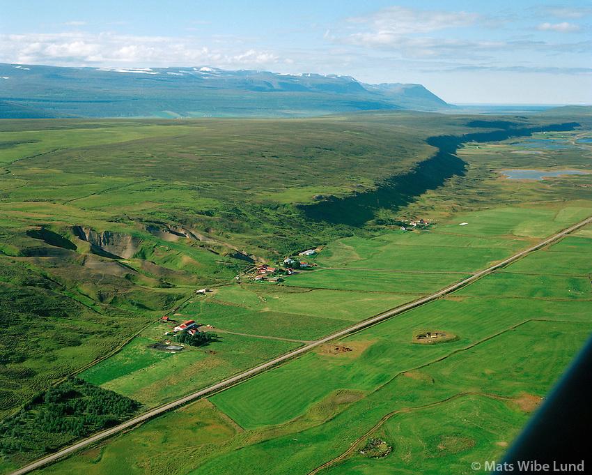 Vallakot, Grundargil, Glaumbær og Hamrar séð til norðurs, Þingeyjarsveit áður Reykdælahreppur / Vallakot, Grundargil, Glaumbær and Hamrar viewing north, Thingeyjarsveit former Reykdaelahreppur.