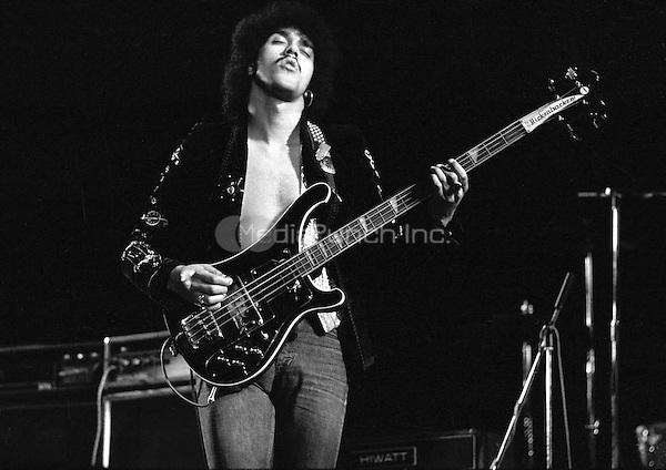 Thin Lizzy Rainbow Theatre, London 11 November 1974. Credit: Ian Dickson/MediaPunch