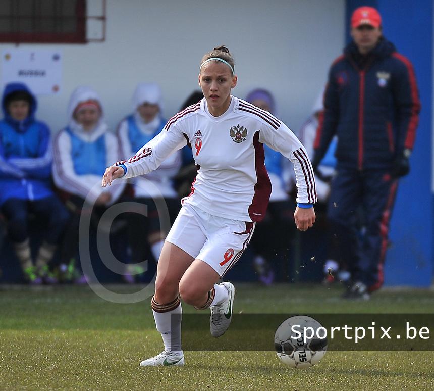 Switzerland U19 - Russia U19 : Elmira Piskunova.foto DAVID CATRY / Nikonpro.be