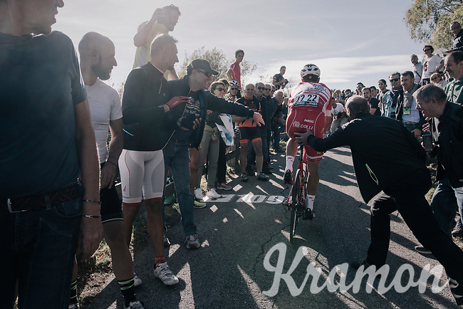 Davide Ballerini (ITA/Androni-Sidermec-Bottecchia) 'helped' up the infamous Muro di Sormano (avg 17%/max 25%)<br /> <br /> Il Lombardia 2017<br /> Bergamo to Como (ITA) 247km