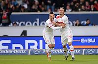 FUSSBALL   1. BUNDESLIGA  SAISON 2012/2013   9. Spieltag   VfB Stuttgart - Eintracht Frankfurt      28.10.2012 JUEBL Stuttgart; Torschuetzen zum 1-0 Christian Gentner (re) umarmt Vedad Ibisevic