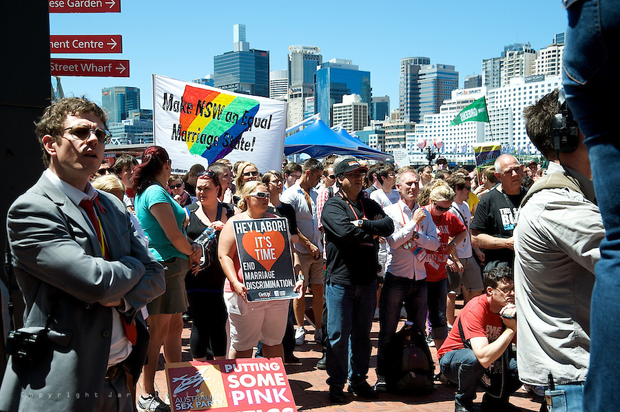At Labor's national conference in Sydney, opponents of gay marriage conceded a defeat.<br /> After the vote, a 10,000-strong crowd filled the plaza around the Convention Centre in Darling Harbour demanding equal marriage rights for gay and lesbians couples.
